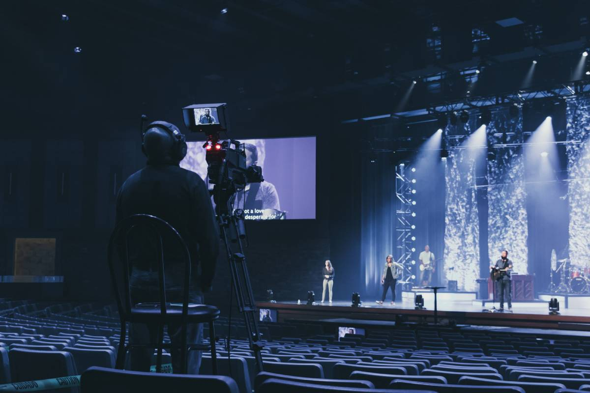 Hitachi Cameras Enable High-Quality Streaming for Eastview ChristianChurch
